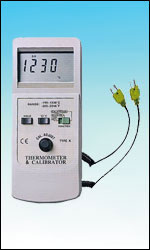 Type K Thermocouple 2-in-1 Simulator and Thermometer
