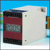 Isolated Thermocouple and Pt100 DIN Rail Mounted Transmitter with Display